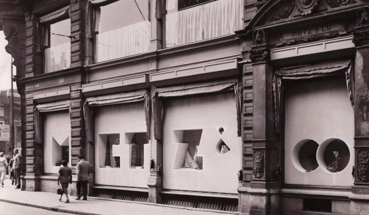 1949 Metz-Co-Store-Amsterdam-by-Gerrit-Rietveld