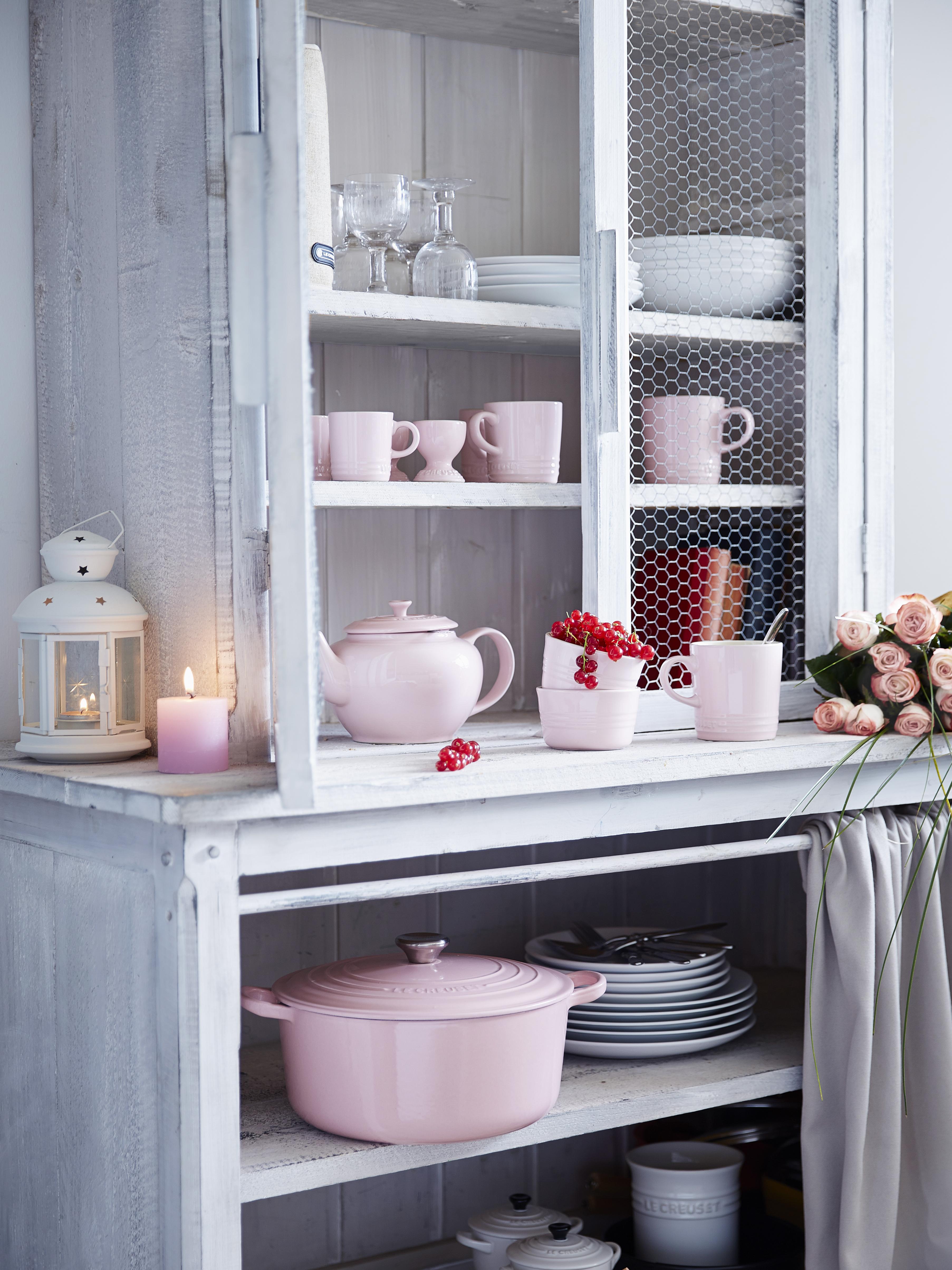gescoord de chiffon pink koffiebeker van le creuset van franse bodem. Black Bedroom Furniture Sets. Home Design Ideas