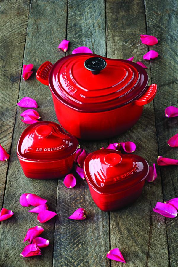 RS2932_Le-Creuset-Valentines-Promotion